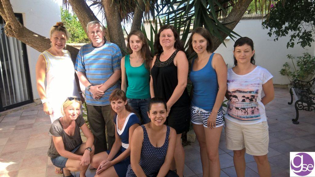 GSE Malta studenti nel cortile della scuola di inglese Malta St Julians