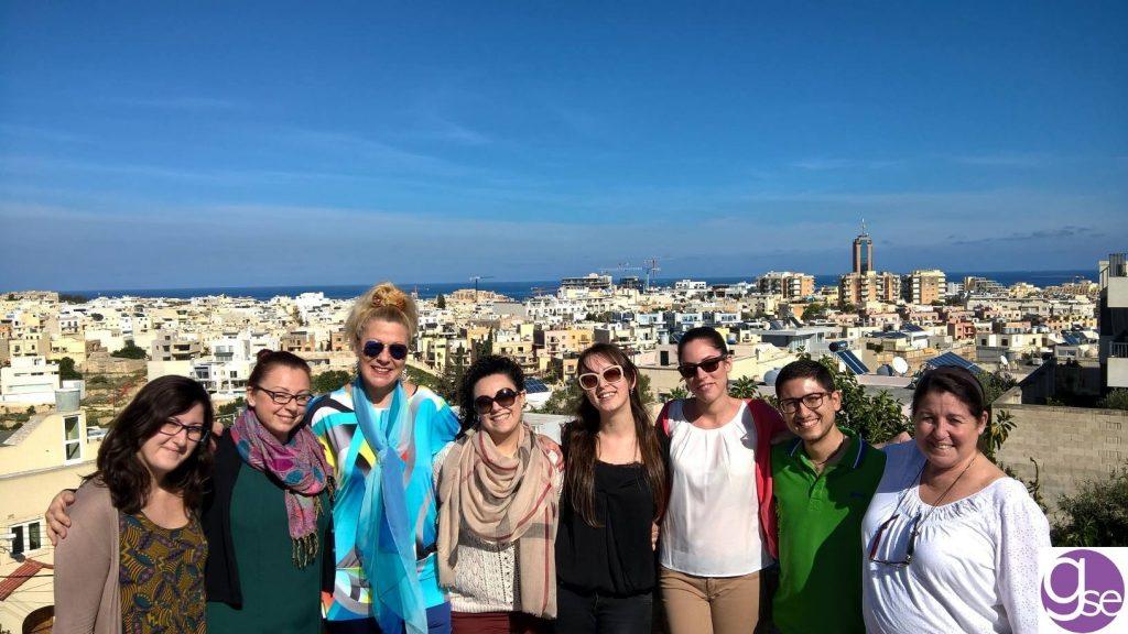 insegnanti e team accademico e personale della scuola di inglese a Malta